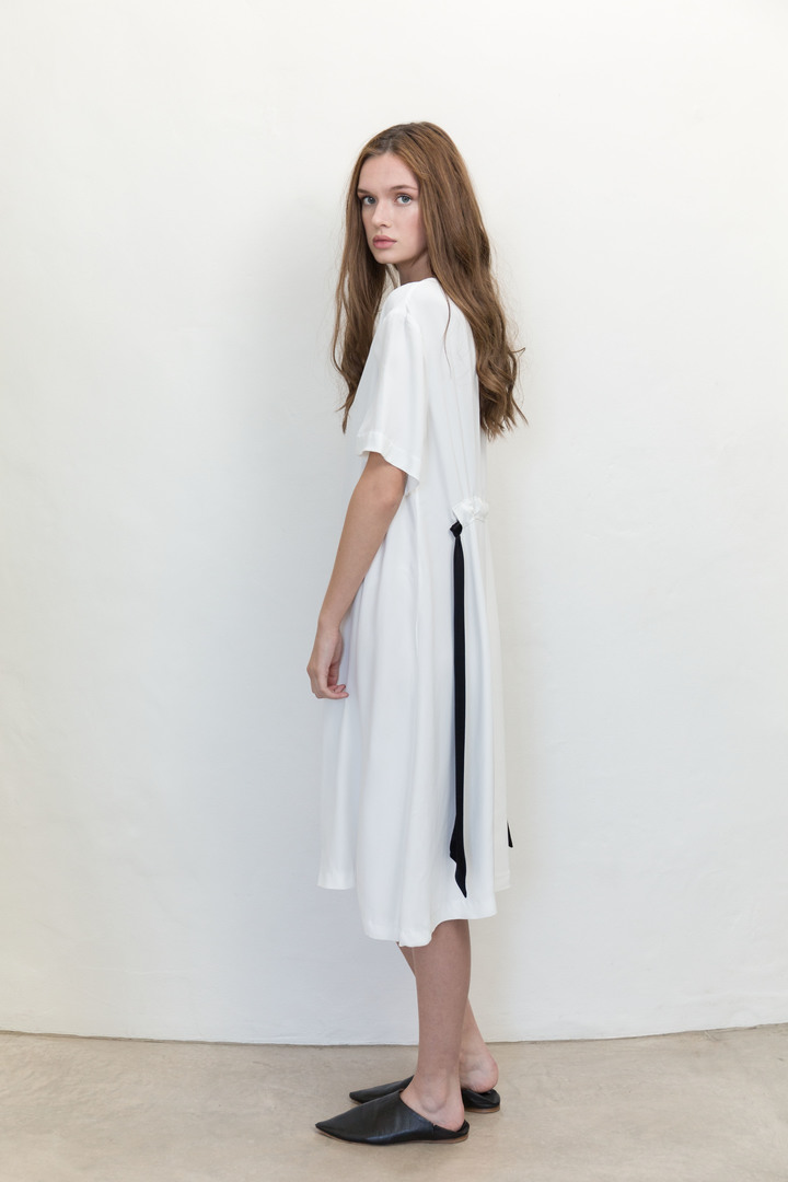 72dpi-21894709ad-Demure-Dress-White-Back