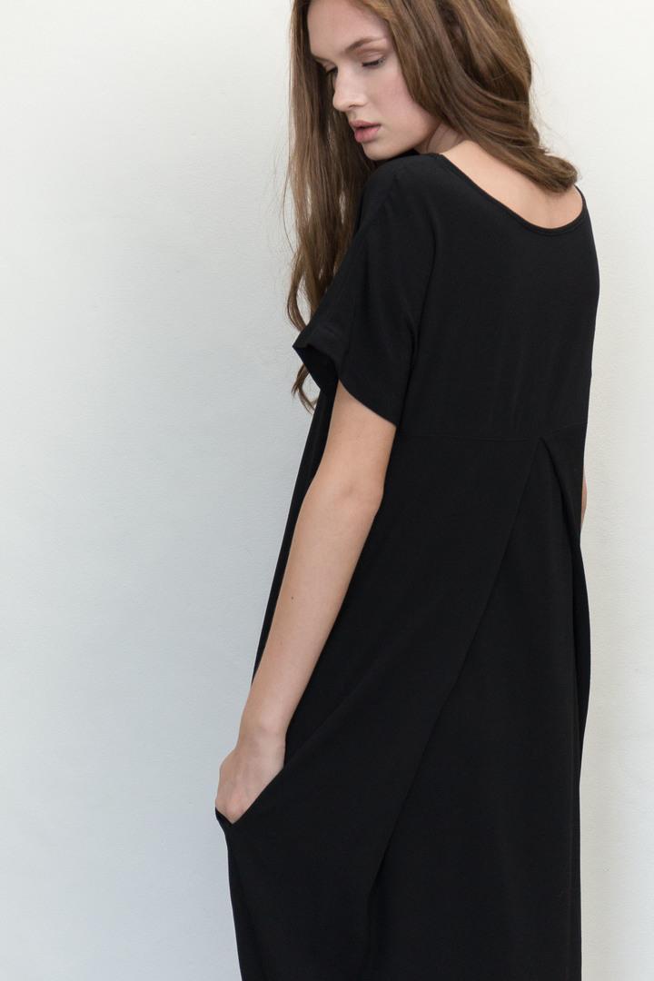 72dpi-2189634128-Residents-Dress-Black-Crop