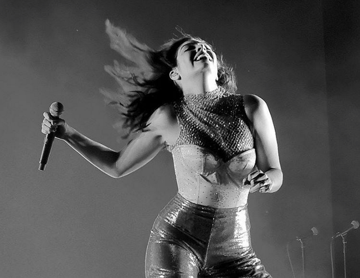 Lorde performed at Coachella for the first time in 3 years, debuting two new tracks.