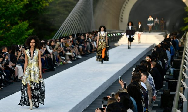 Louis Vuitton staged his Cruise 2018 Collection show at Miho Museum in the Shigaraki mountains.