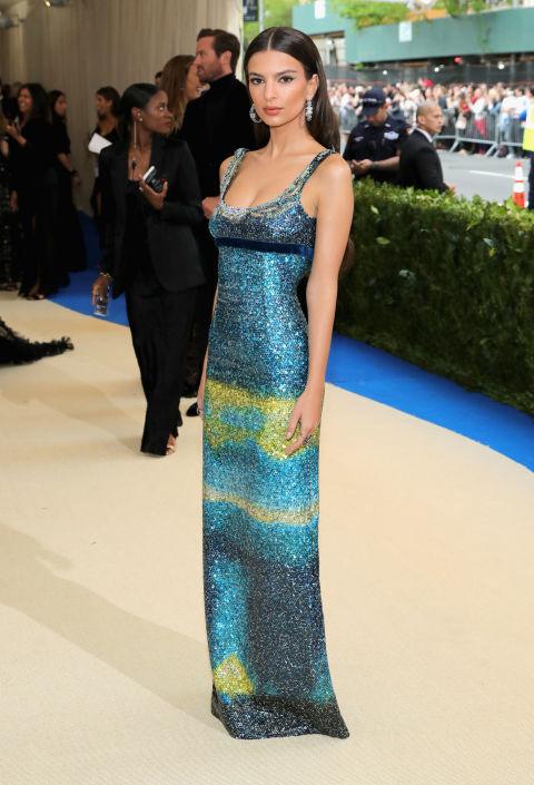 Emily Ratajkowski wearing Marc Jacobs