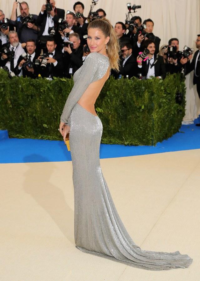 Gisele Bundchen wearing Stella McCartney