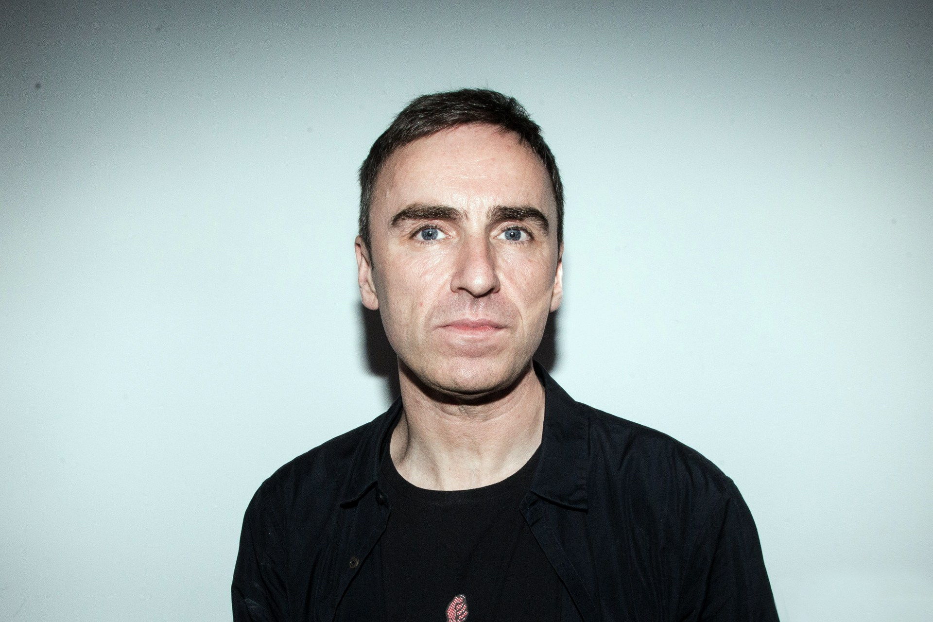 Raf Simons cleaned up at the CFDA Fashion Awards, winning both Womenswear and Menswear Designer of the Year Awards.