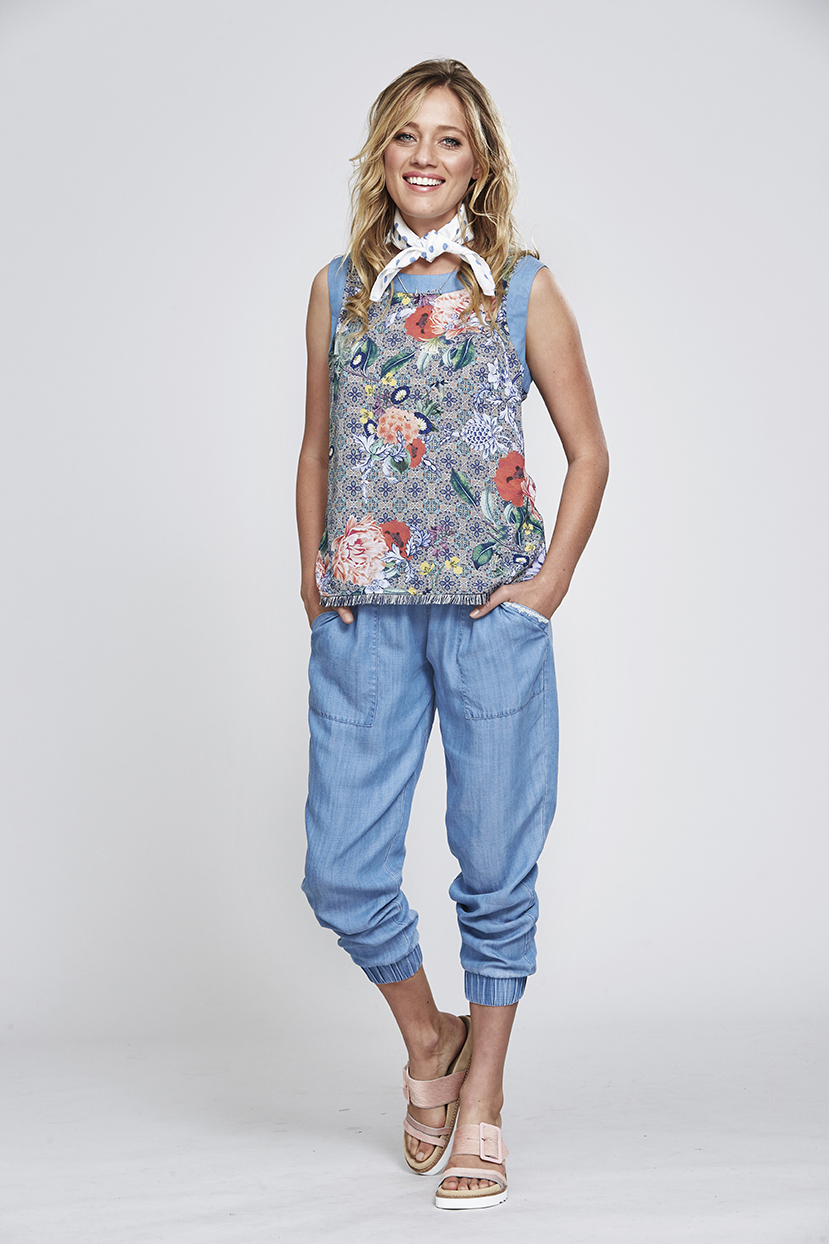 MS157 Zoe Top MS140 Jogger Pant