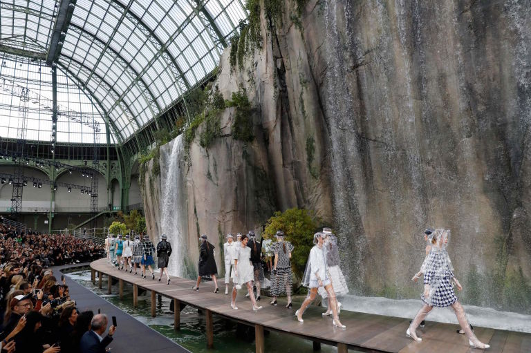 Fashion Month is over, but the Instagrams are forever. Chanel created a watefall in the Plâce Vendrome.