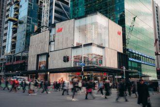 new h&m store external shot