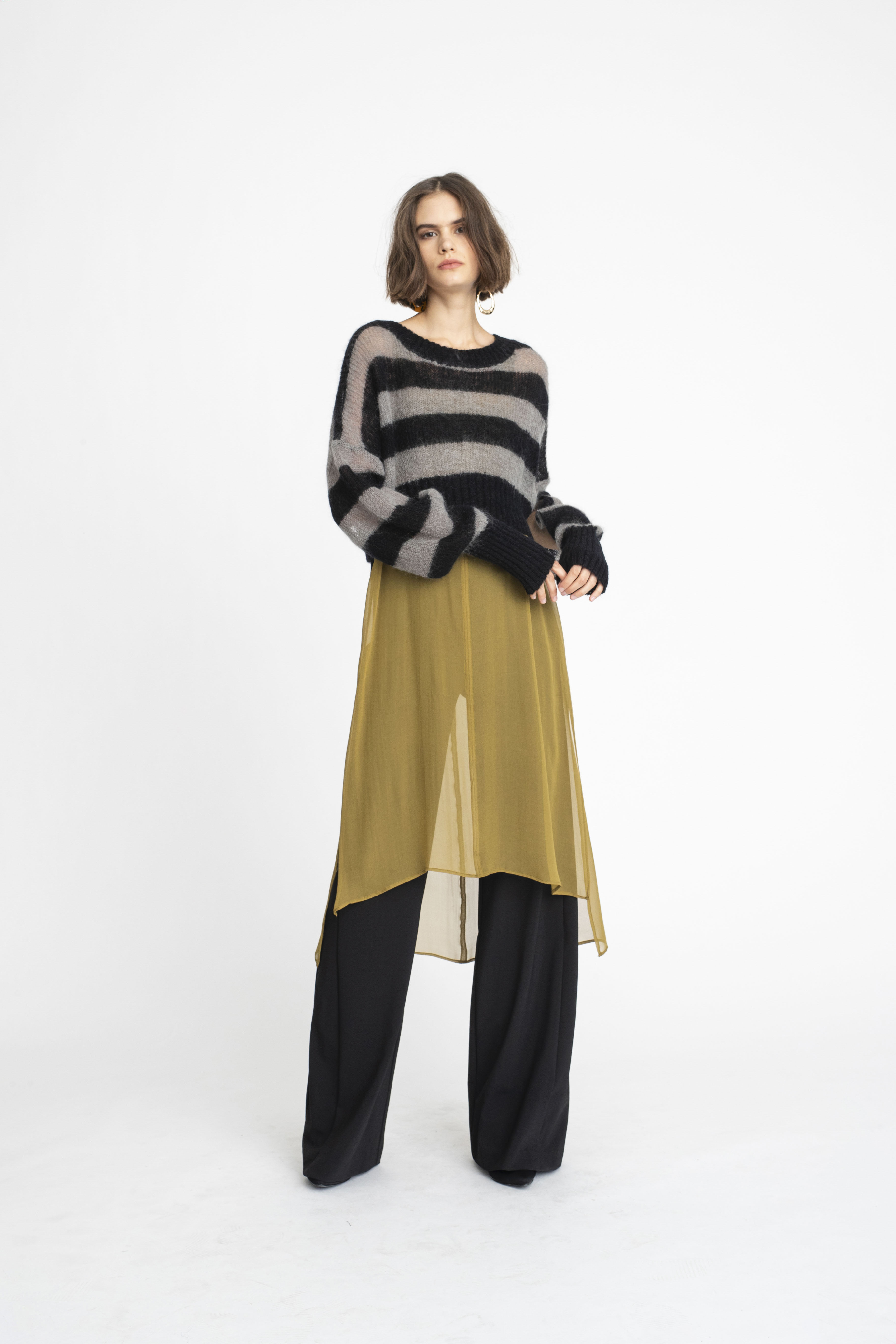 Abbreviate-Sweater_Swivel-Tunic_Panelled-Joust-Pant_TaylorBoutique_AW19_L61_1477-out-of-focus 2