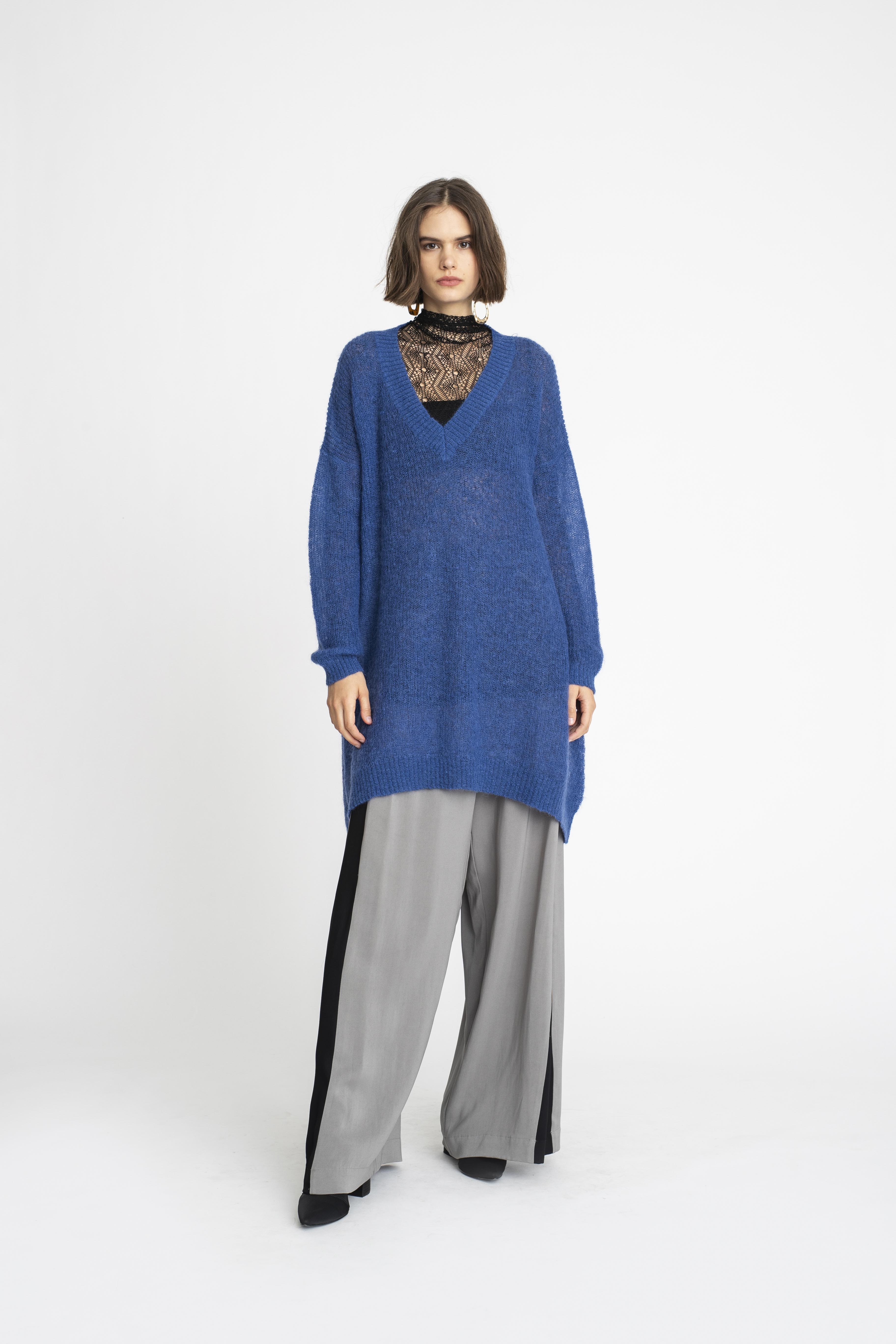 Atmospheric-Sweater_Baseline-Tunic_Attained-Pant_TaylorBoutique_AW19_L49_1196 2