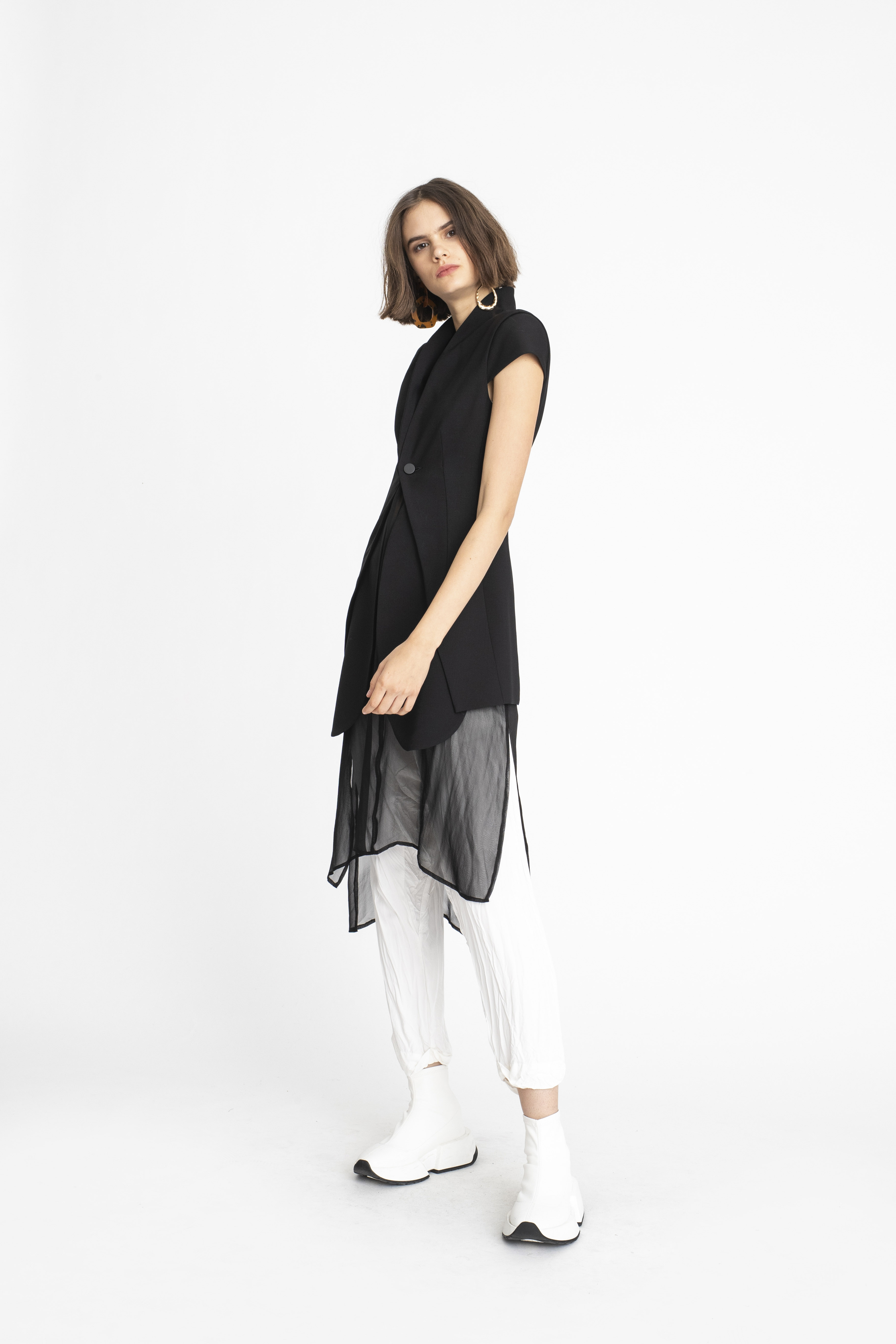 Echo-Vest_Swivel-Tunic_Panelled-Relief-Pant_TaylorBoutique_AW19_L125_2741 2