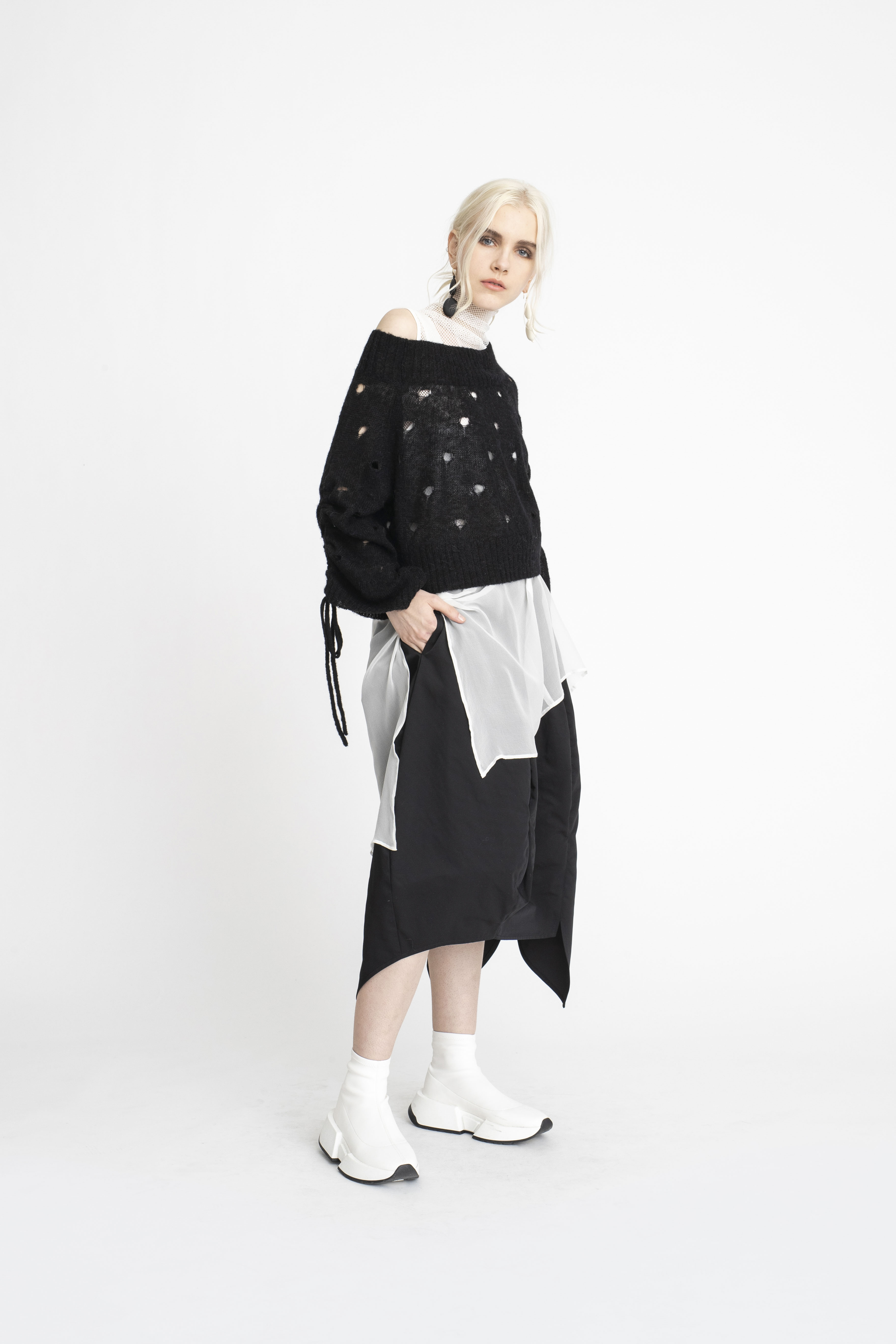 Open-Facade-Sweater_Swivel-Tunic_Scope-Skirt_Undone-Tunic_TaylorBoutique_AW19_L74_1764 2
