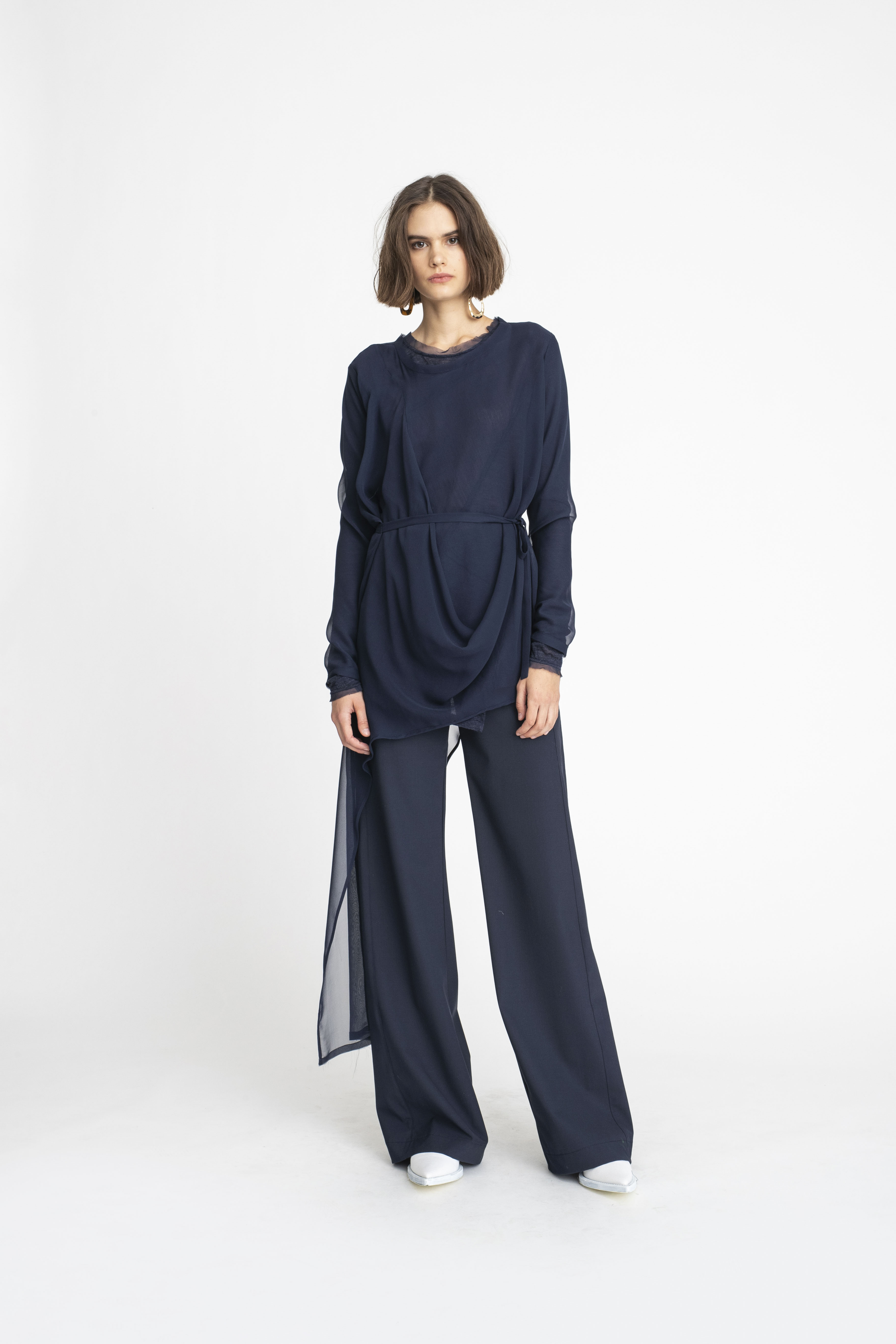 Stream-Tunic_mosaic-Tunic_Panelled-Joust-Pant_TaylorBoutique_AW19_L80_1877 2