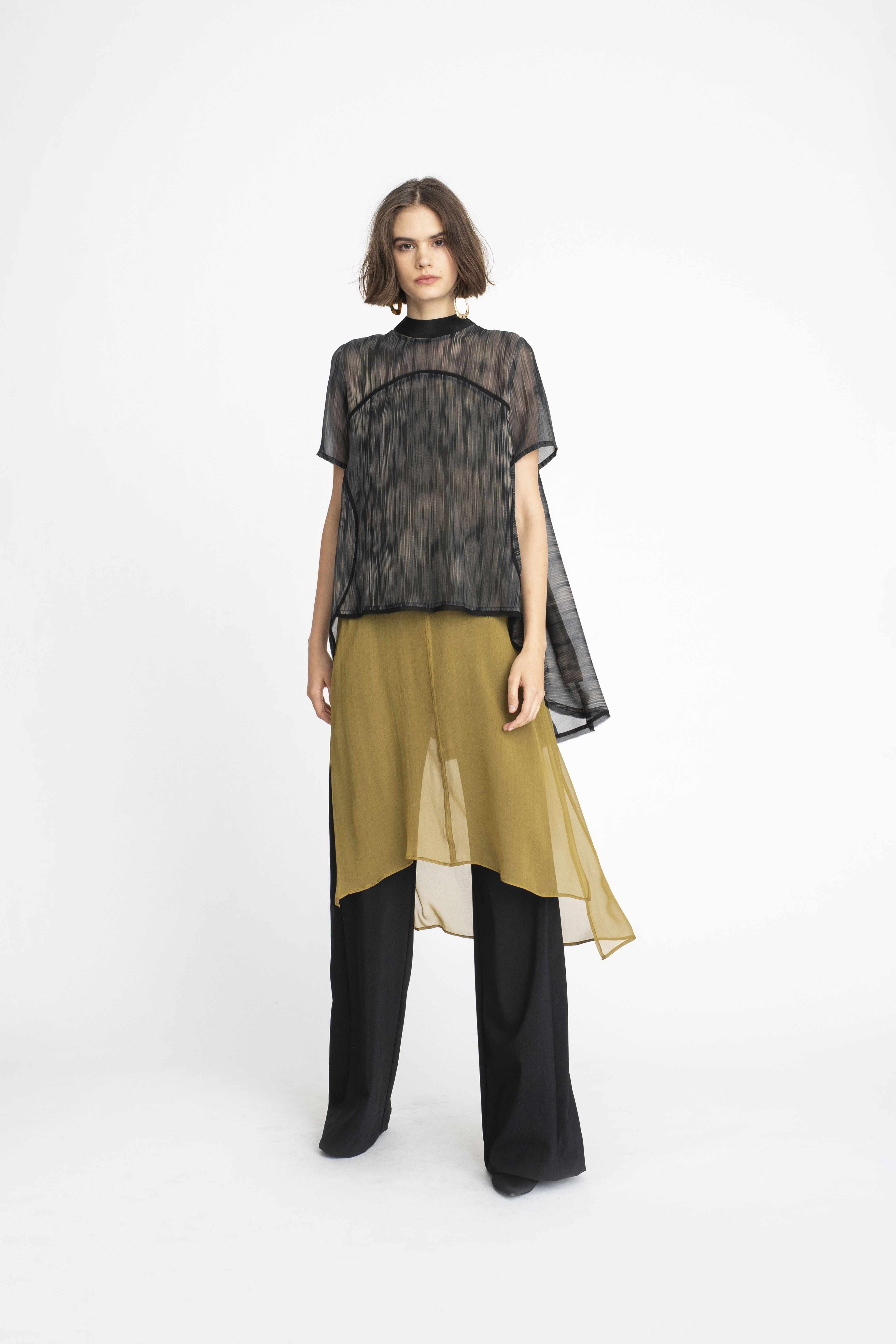 Tie-Capsule-Top_Swivel-Tunic_Panelled-Joust-Pant_TaylorBoutique_AW19_L60_1460 2