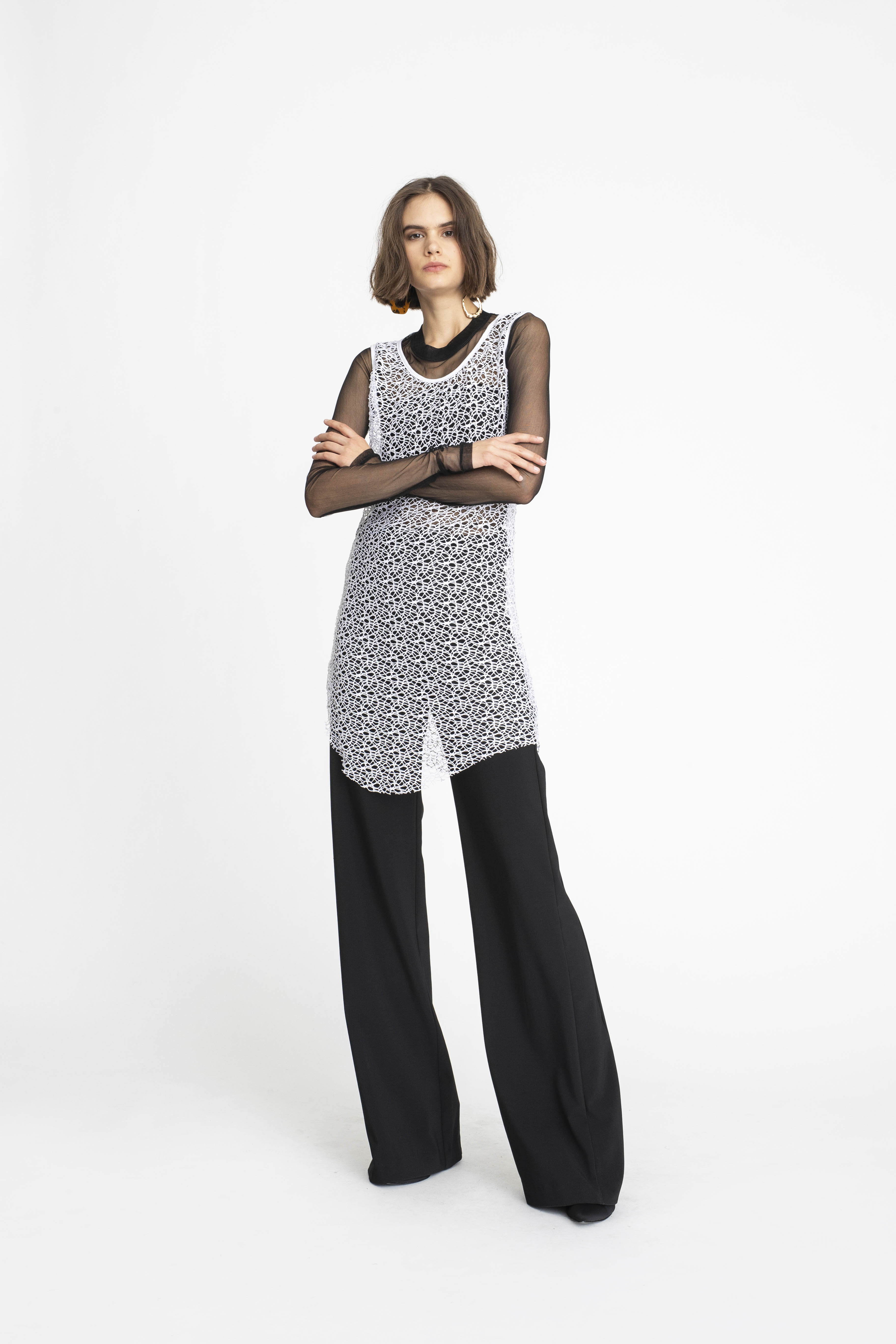 Undulate-Camber-Singlet_Long-Sleeve-Necessary-Tee-_Panelled-Joust-Pant_TaylorBoutique_AW19_L100_2251 2