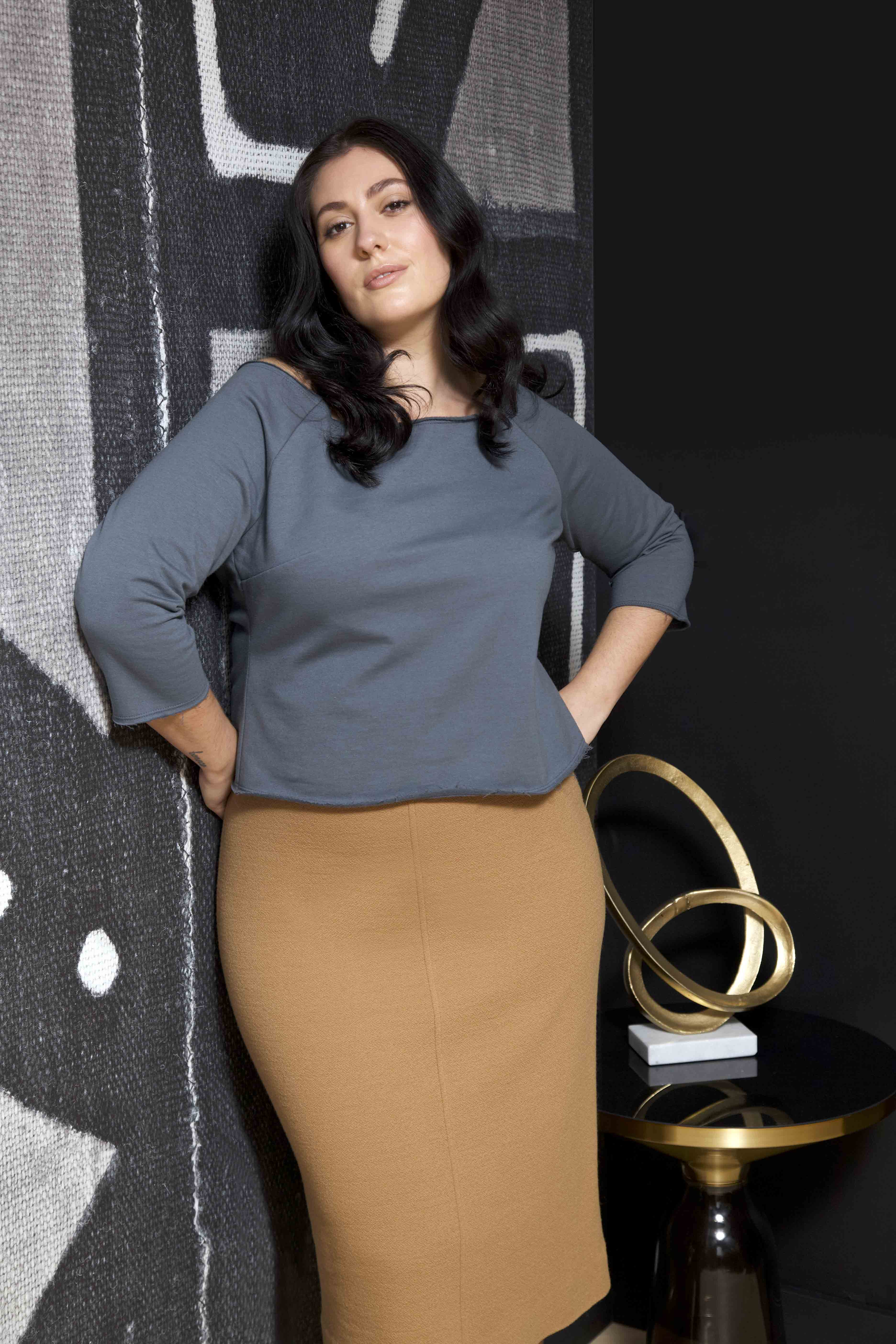 LISA AVIVA-A_W 19_20 Fleece Top in Marine and Pebbled Wool Skirt in Camel