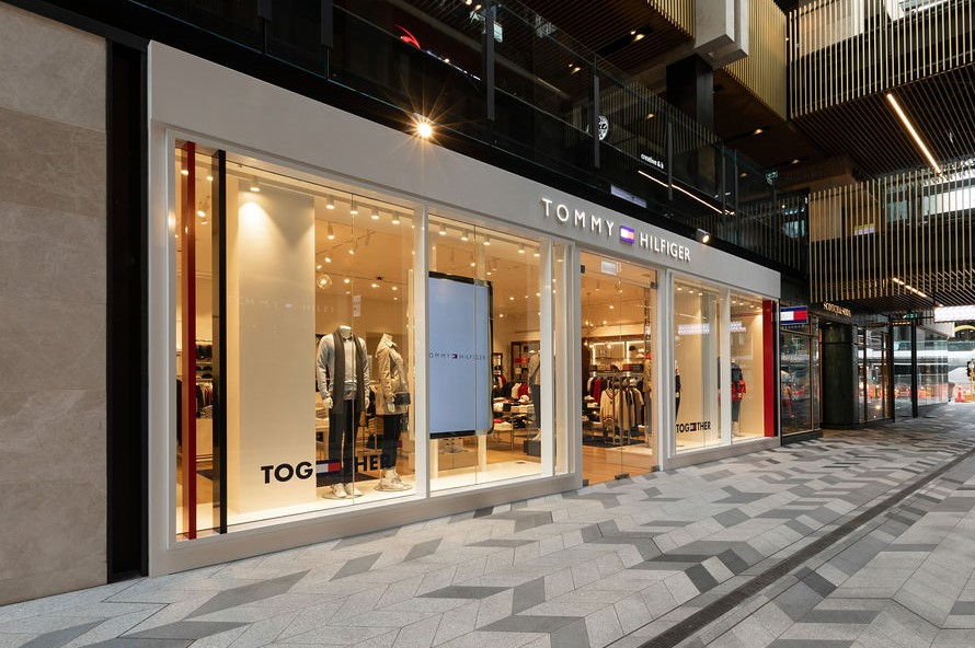 Tommy Hilfiger Commercial Bay 1 (1)
