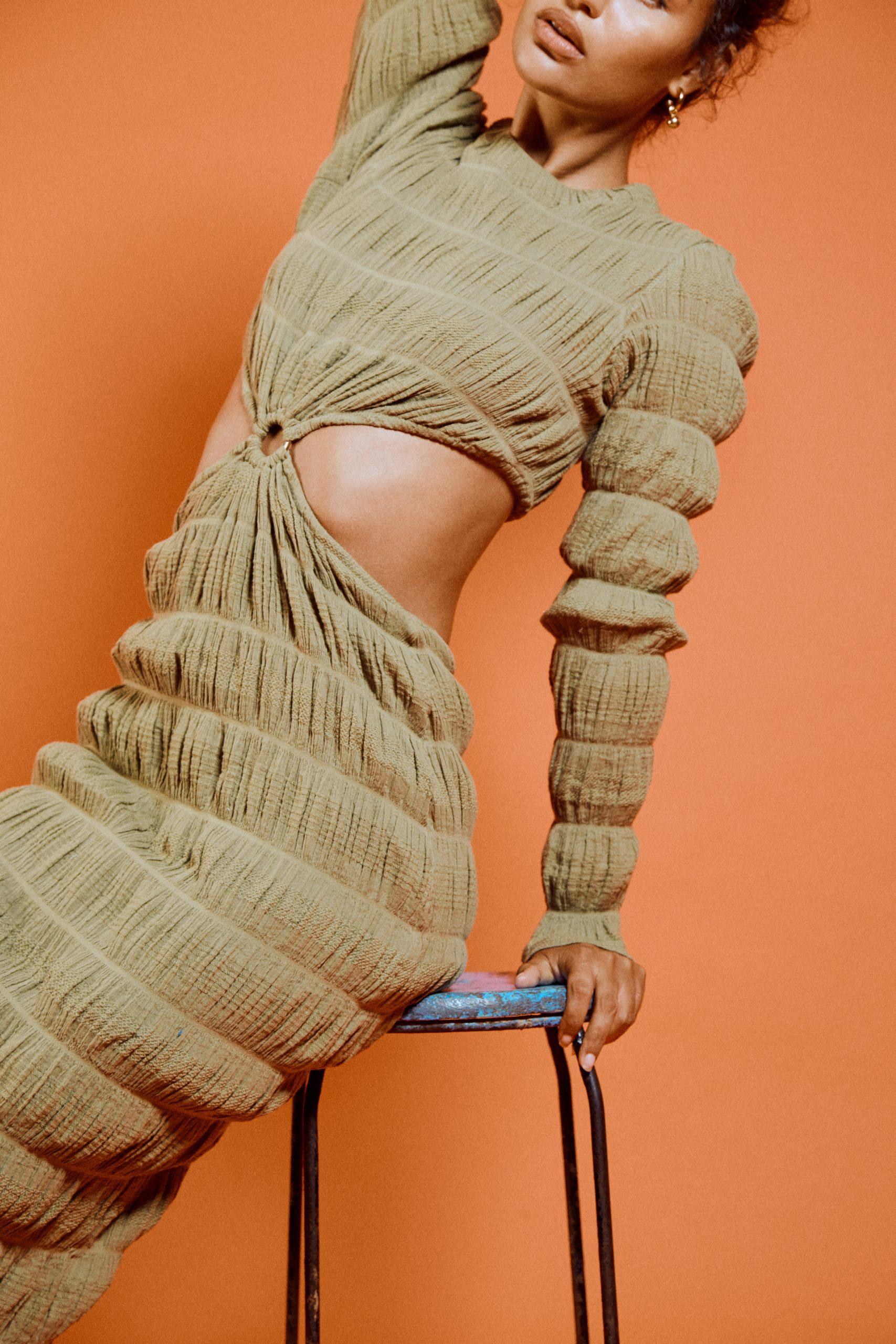 RUBY MIRELLA RING DRESS CLOSE UP 3