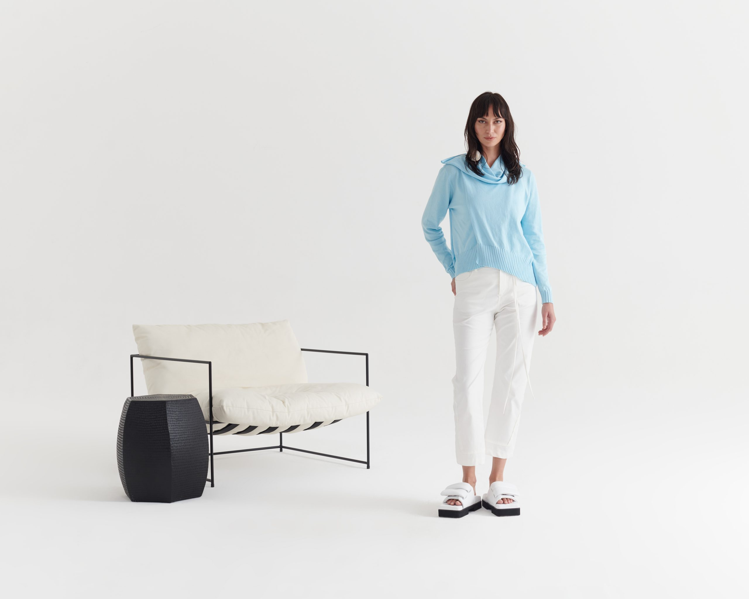 Unify-Sweater-Lake_Raw-Edge-Uncover-Jean_Taylor_Recline