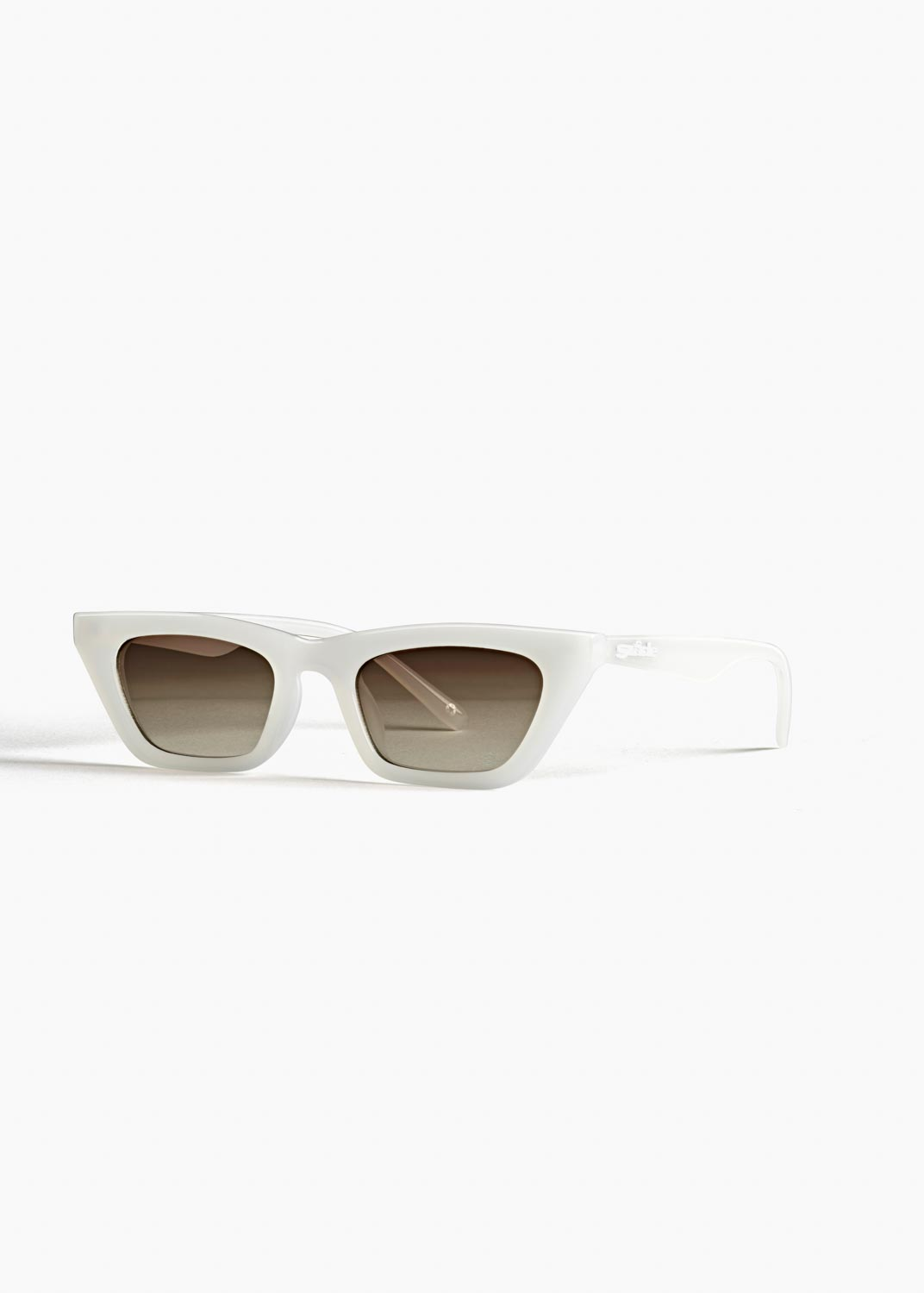 Szade Recycled, Arena (Bleach White) RRP $79.99 (2)